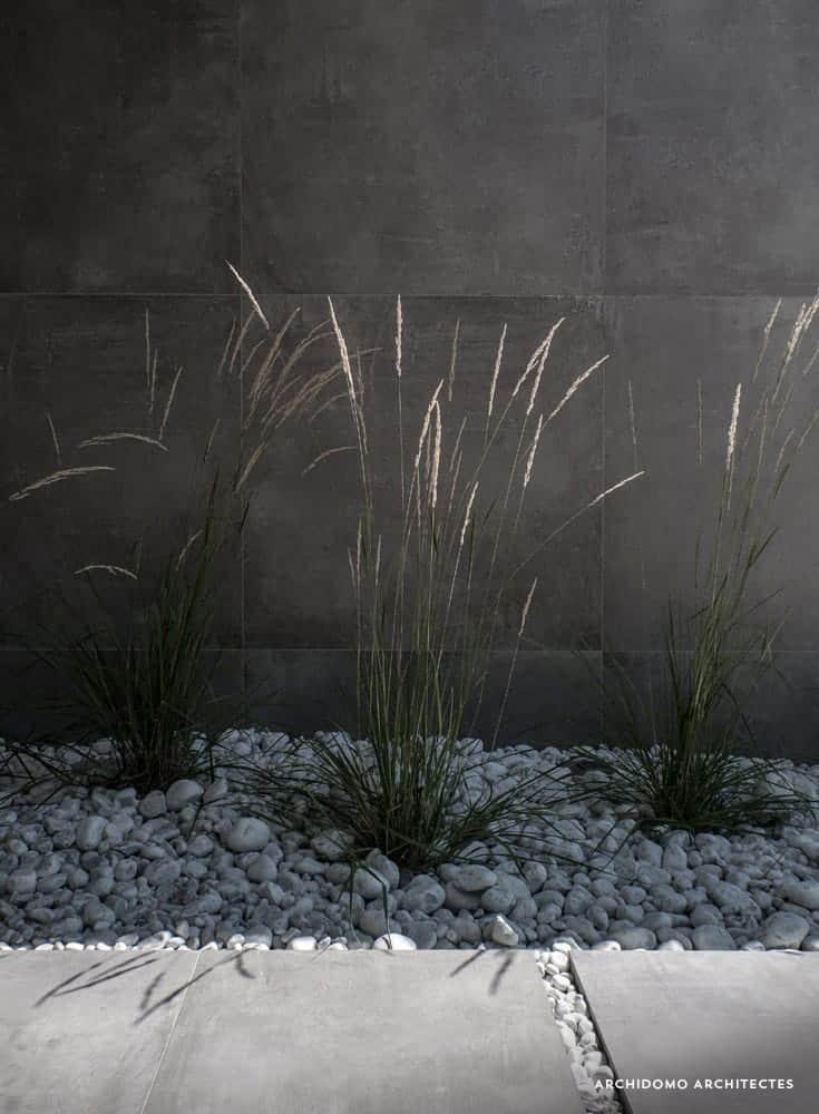 Détail architectural, architecture minéral et végétale. Maison contemporaine, constructeur maison - Maison d'architecte - Maison Particulière - Haute-Savoie - 74